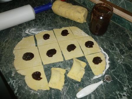 c3f73dad1f Domácí bramborové tašky se švestkovými povidly