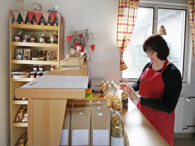 Prodejna domácích dobrot v Ostašově